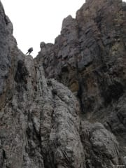 rapelling-down-descent-gully