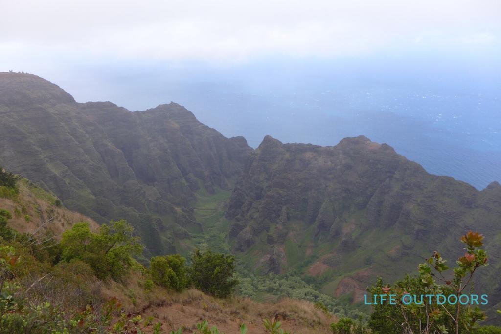nu'alolo trail hiking kauai lifeoutdoors